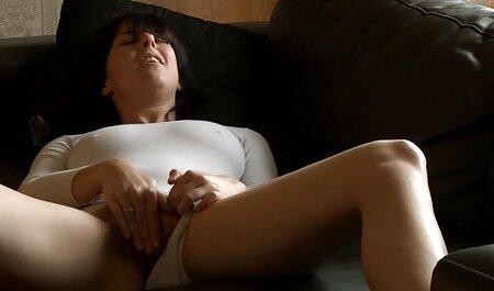 Bệnh nhân, đang ngủ pim sec cho dit nguoi sừng y tá,