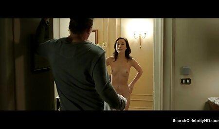 Một phụ phim sec thu va nguoi nữ trưởng thành sắp xếp một cách nhanh chóng với cô ấy trên giường trước khi chồng cho